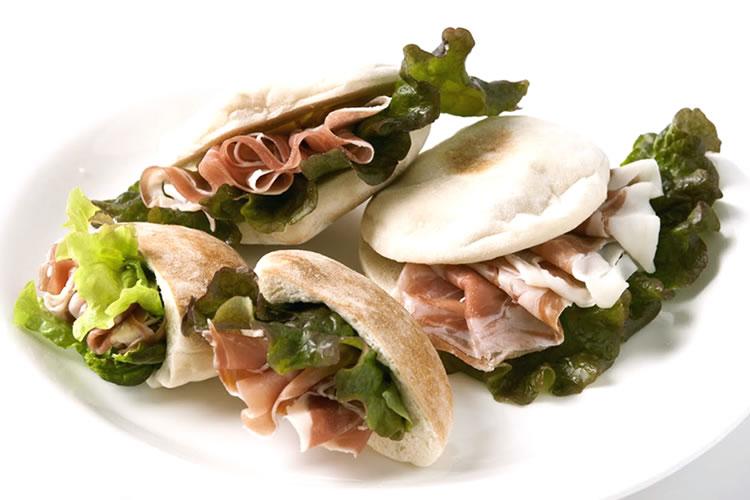【生ハムやオリーブオイルに最適!】ミニピタパン(冷凍パン10個×25g)の画像