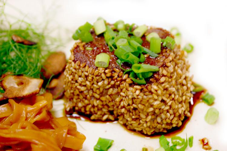 【赤身肉は上品な味わい】ダチョウファンフィレ(ブロック)の画像