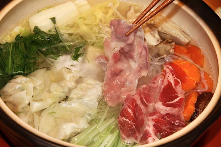 【肉は旨味多し脂はピュア】イベリコ豚肩ロース(しゃぶしゃぶ用スライス)の画像