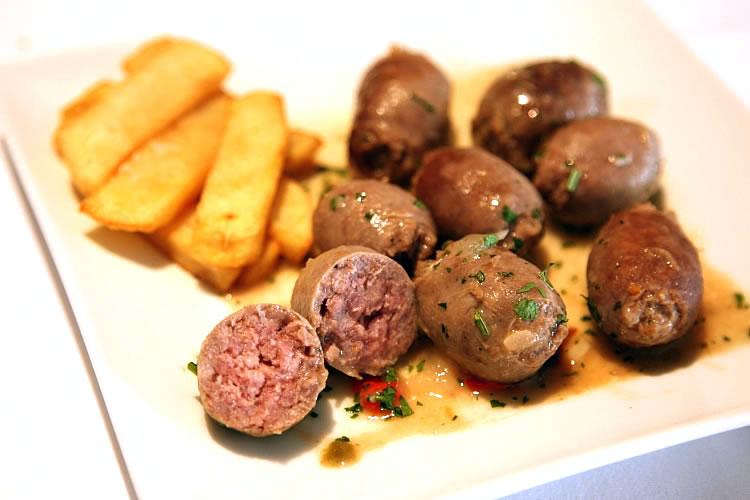 【粗挽きで美味な肉汁!】イベリコ豚の生ソーセージ・ブティファラの画像