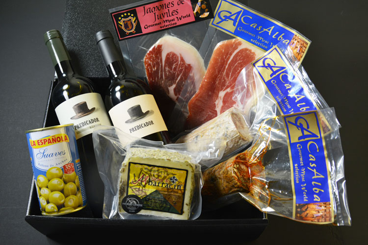 【贈って喜ばれるギフト】グルメセレクションギフト(生ハム・ワイン・チーズが一緒に楽しめるセット)の画像