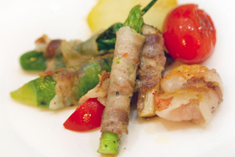 野菜のイベリコ豚ベジョータバラ巻き