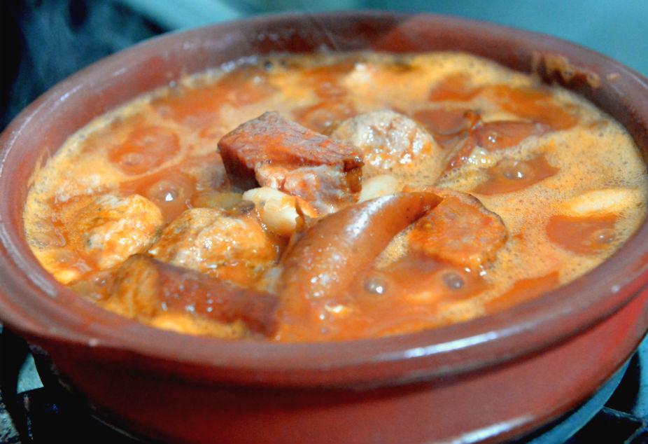 日晃HIMITSU豚ソーセージと豆の煮込みスープ